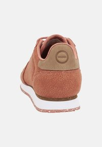 Woden - YDUN PEARL - Trainers - red - 3