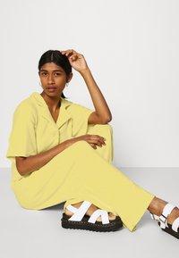 Monki - SAMMI - Jumpsuit - yellow - 3