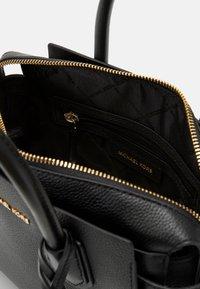 MICHAEL Michael Kors - Handtasche - black - 3