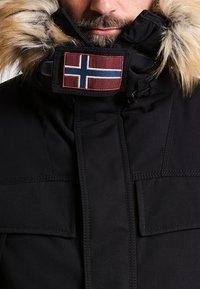 Napapijri - SKIDOO OPEN LONG - Zimní kabát - black - 4