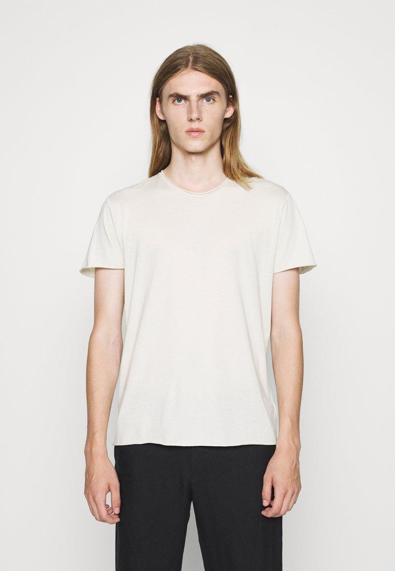 Filippa K - Jednoduché triko - ivory