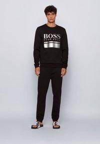 BOSS - Pantolette flach - silver - 0