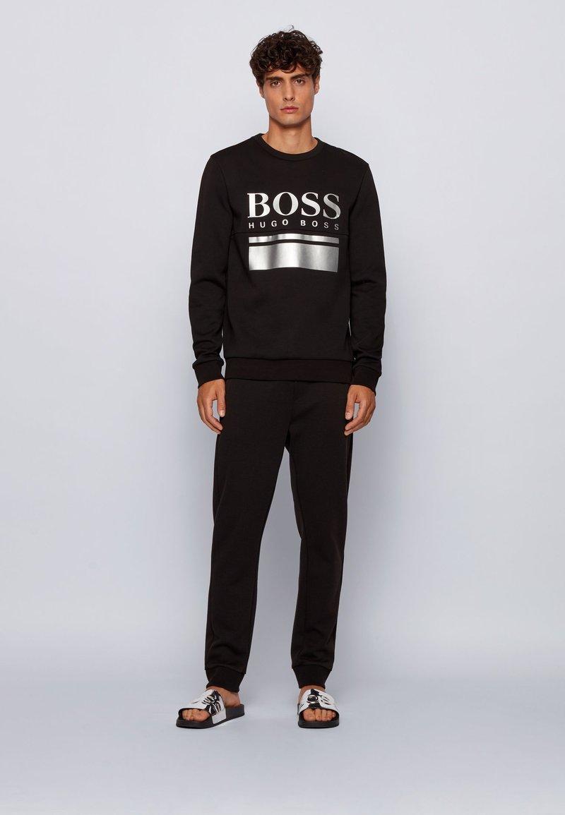 BOSS - Pantolette flach - silver