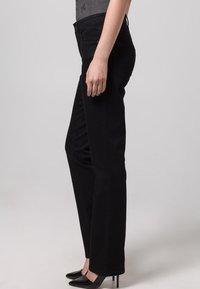MAC Jeans - MELANIE - Straight leg jeans - schwarz - 6