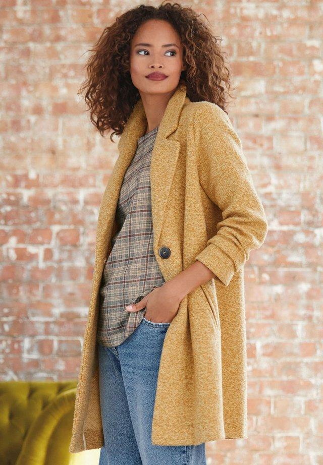 COATIGAN - Klasický kabát - yellow