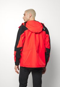 The North Face - RETRO MOUNTAIN FUTURE LIGHT JACKET - Regnjacka - fiery red - 2