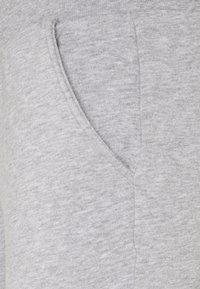 Vero Moda Tall - VMKOKO - Pantaloni sportivi - light grey melange - 2