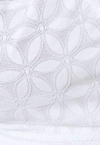 Marks & Spencer London - Triangle bra - white - 2