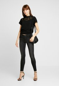 ONLY - ONLSHAPE DELUXE - Jeans Skinny Fit - black - 1