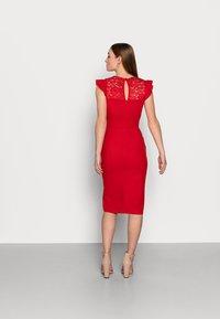 WAL G PETITE - Pouzdrové šaty - red - 2