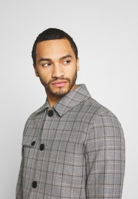 Only & Sons - ONSARCHER CARCOAT  - Trenchcoat - black/checks - 3