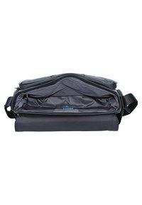 Piquadro - Across body bag - black - 4