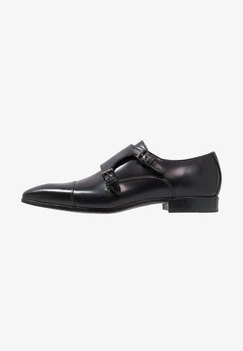 Elegantní nazouvací boty - serrano nero