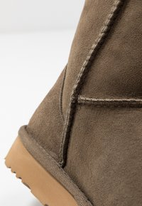 UGG - CLASSIC SHORT - Bottines - eucalyptus spray - 2