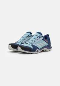 adidas Performance - TERREX AX3 GTX - Outdoorschoenen - tech indigo/grey two/signal coral - 1