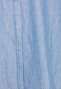 TOM TAILOR - CHAMBRAY LOOK - Koszula - stonington blue - 2
