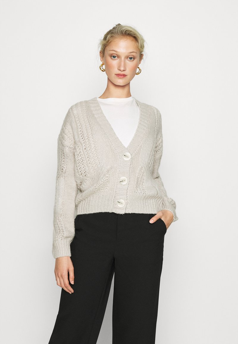 Dorothy Perkins - CABEL V NECK BUTTON FRONT CARDIGAN - Cardigan - grey marl