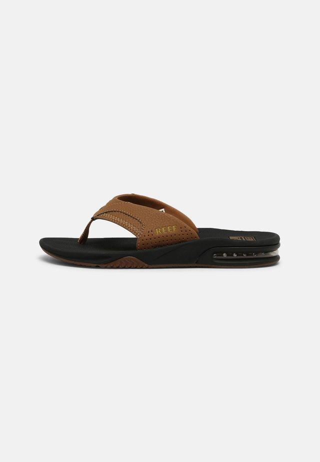 FANNING - Sandaler m/ tåsplit - grey khaki