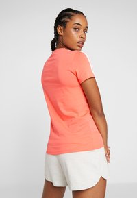 adidas Performance - ESSENTIALS 3 STRIPES DAMEN - Print T-shirt - semi coral/white - 2