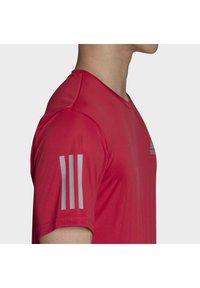 adidas Performance - 3-STRIPES CLUB T-SHIRT - Print T-shirt - pink - 7