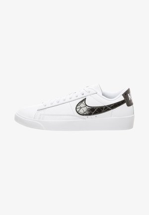 BLAZER - Baskets basses - white/black