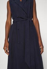 IVY & OAK - LAPEL COLLAR DRESS ANKLE LENGTH - Shift dress - navy blue - 5