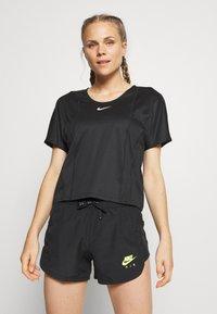 Nike Performance - CITY SLEEK - Basic T-shirt - black/white - 0