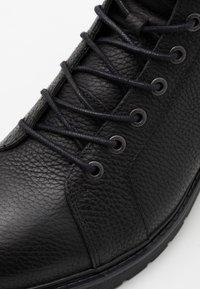 Selected Homme - SLHTIM HIKING BOOT - Šněrovací kotníkové boty - black - 5