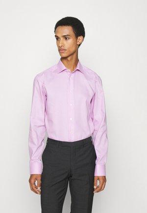Slim Fit - Twill Shirt - Kauluspaita - pink/red