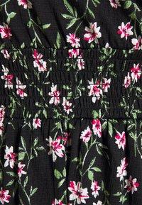 ONLY Petite - ONLPELLA DRESS - Vestido informal - black/flowering vines - 2