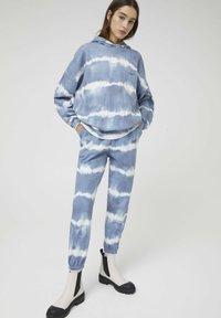 PULL&BEAR - Hoodie - mottled blue - 3