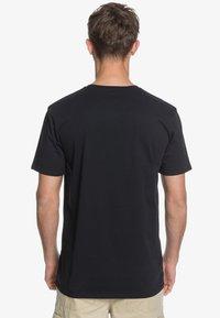 Quiksilver - HEADWIND  - Print T-shirt - black - 2