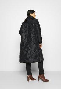 Liu Jo Jeans - IMBOTTITO OVATT LUNGO - Winter coat - nero - 3