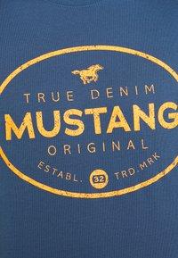 Mustang - ALEX PRINT - Triko spotiskem - ensigne blue - 5