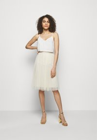 Needle & Thread - KISSES MIDI SKIRT EXCLUSIVE - A-Linien-Rock - champagne - 1