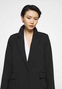Bruuns Bazaar - FLORAS ALANNA COAT - Klasický kabát - black - 4