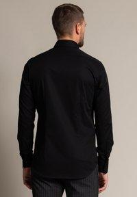 WORMLAND - Formal shirt - schwarz - 1