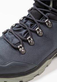 Salomon - OUTBACK 500 GTX - Hiking shoes - ebony/black/shadow - 5