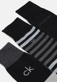 Calvin Klein Underwear - MENS MULTI STRIPE CREW COOPER 3 PACK - Socks - black - 1