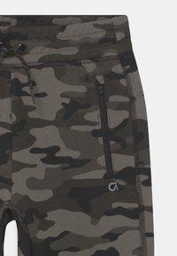 GAP - BOY FIT TECH - Shorts - black - 2