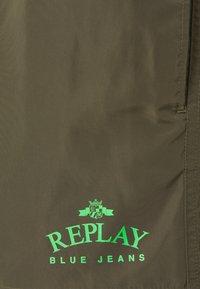 Replay - BEACHWEAR - Swimming shorts - dark military - 2
