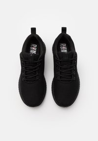 Champion - LOW CUT SHOE SPRINT WINTERIZED - Neutrální běžecké boty - triple new black - 3