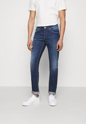 PANTALONE GEORGE - Jeans Tapered Fit - dark blue
