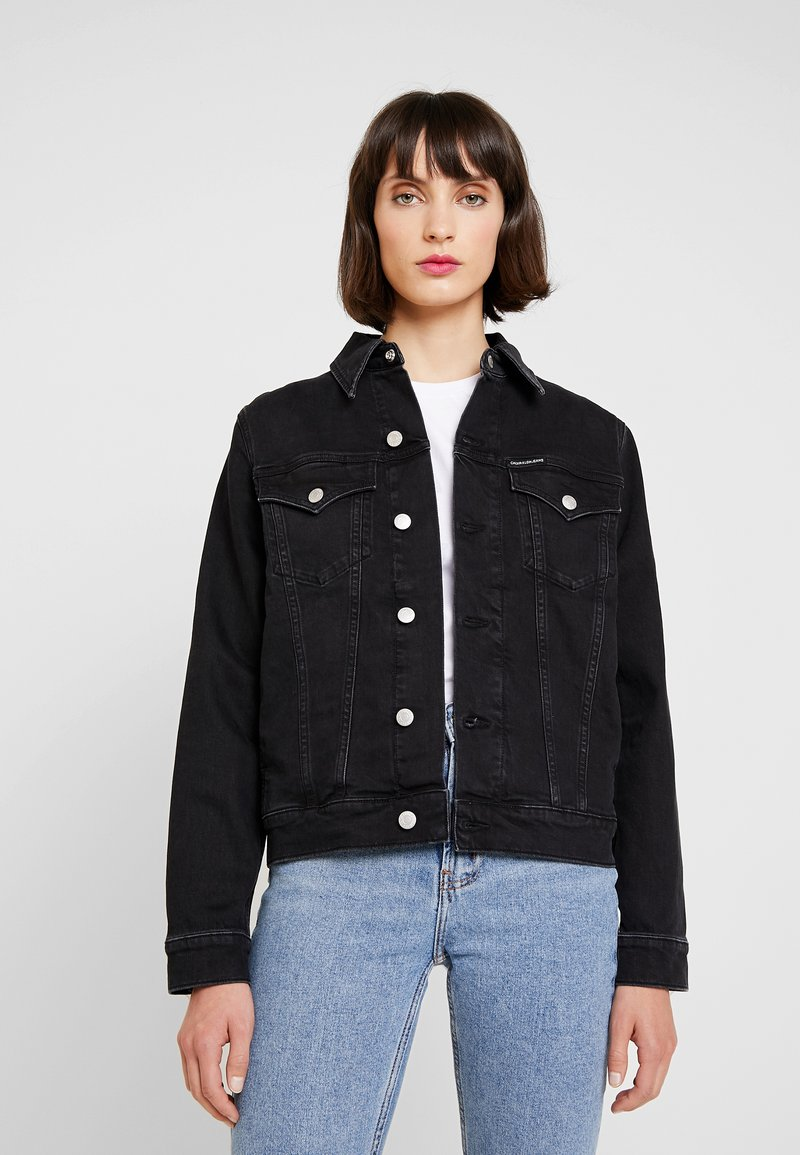 Calvin Klein Jeans - FOUNDATION TRUCKER - Denim jacket - washed black