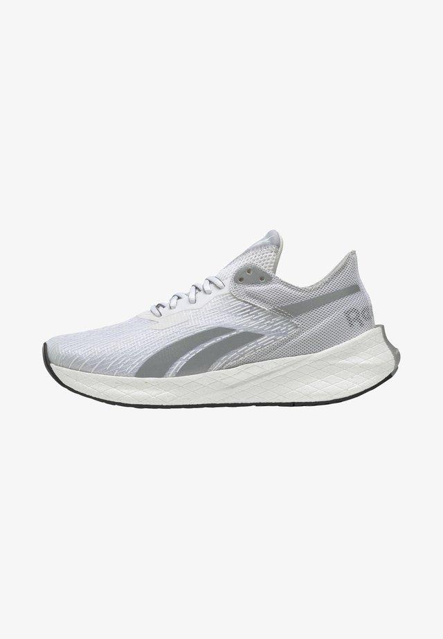 FLOATRIDE ENERGY SYMMETROS RFT SHOE - Zapatillas de running estables - white