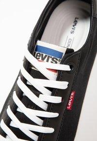 Levi's® - WOODS - Sneakersy niskie - black - 5