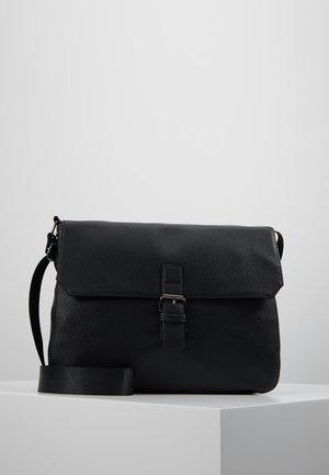 Salkku - black