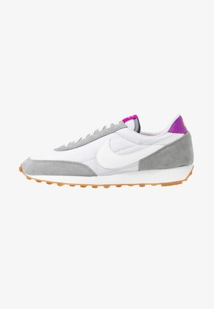 DAYBREAK - Trainers - particle grey/summit white/vast grey/vivid purple/laser orange/medium brown