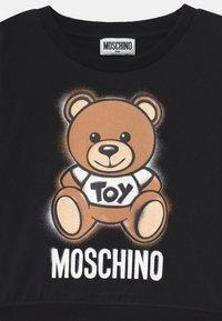 MOSCHINO - ADDITION - Print T-shirt - black - 2