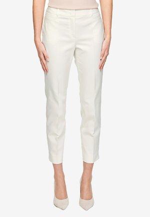 BROEKEN - Trousers - white